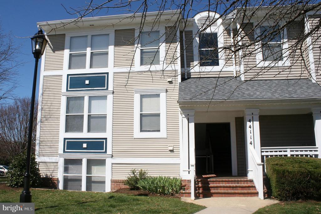 44114  NATALIE TERRACE  301, Ashburn Village, Virginia