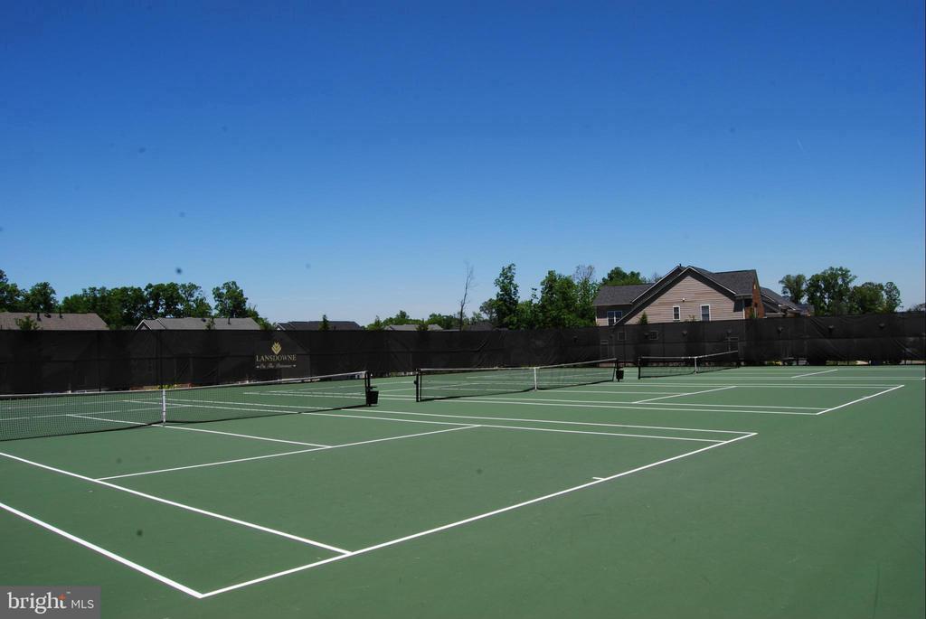 Tennis Courts - 43230 PARKERS RIDGE DR, LEESBURG