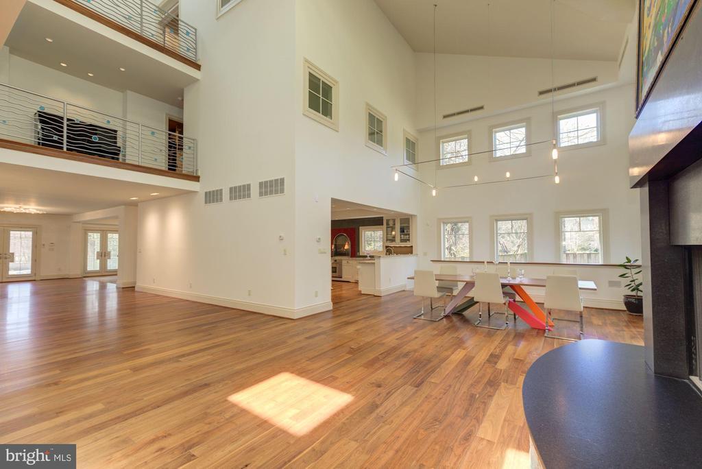 Great Room Open to 2 Upper Level Hallways - 1168 CHAIN BRIDGE RD, MCLEAN