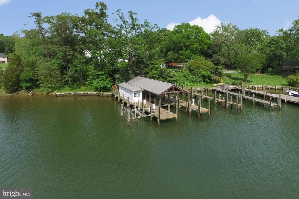 3 Docks with 2 Boat Lifts - 948 MELVIN RD, ANNAPOLIS
