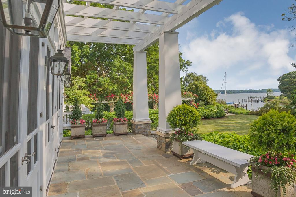 Terrace off of screened porch - 948 MELVIN RD, ANNAPOLIS