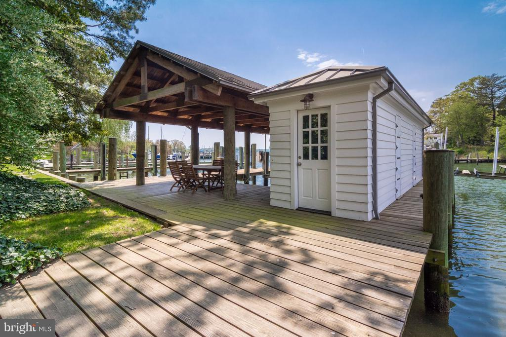 Boat House - 948 MELVIN RD, ANNAPOLIS