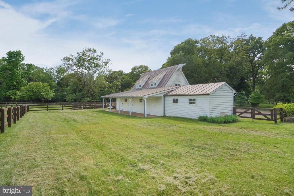 Barn/Stable - 948 MELVIN RD, ANNAPOLIS