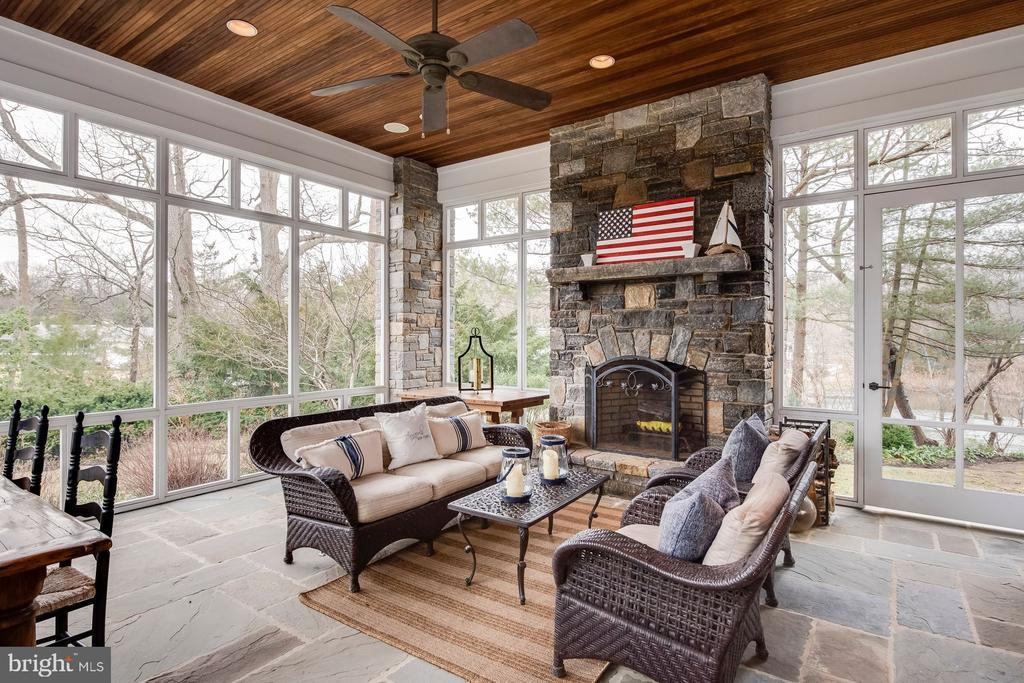 Screened Porch with wood burning fireplace - 948 MELVIN RD, ANNAPOLIS