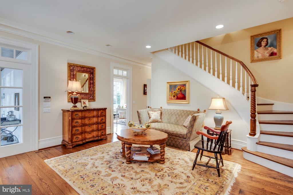 Keeping Room with second staircase to upper level - 948 MELVIN RD, ANNAPOLIS