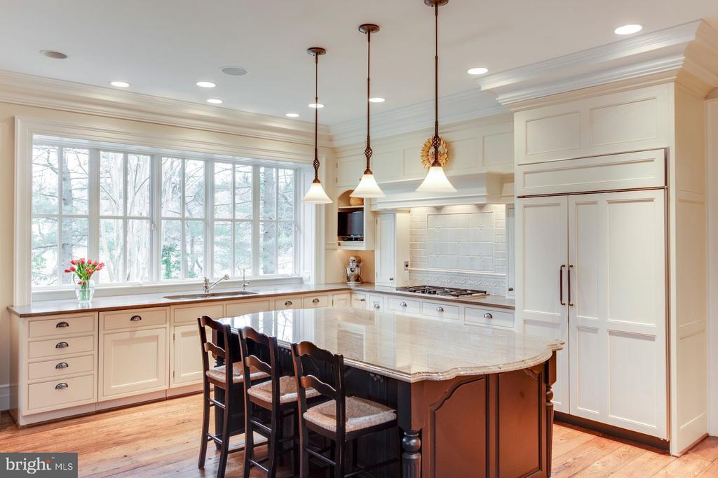 Gourmet Kitchen - 948 MELVIN RD, ANNAPOLIS