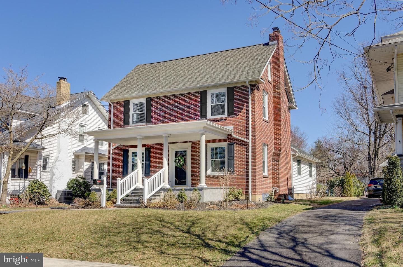 Maison unifamiliale pour l Vente à 11 9TH Avenue Haddon Heights, New Jersey 08035 États-Unis