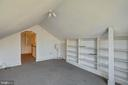 Attic Room with Built-in Bk Shelves - 1919 CASTLEMAN RD, BERRYVILLE