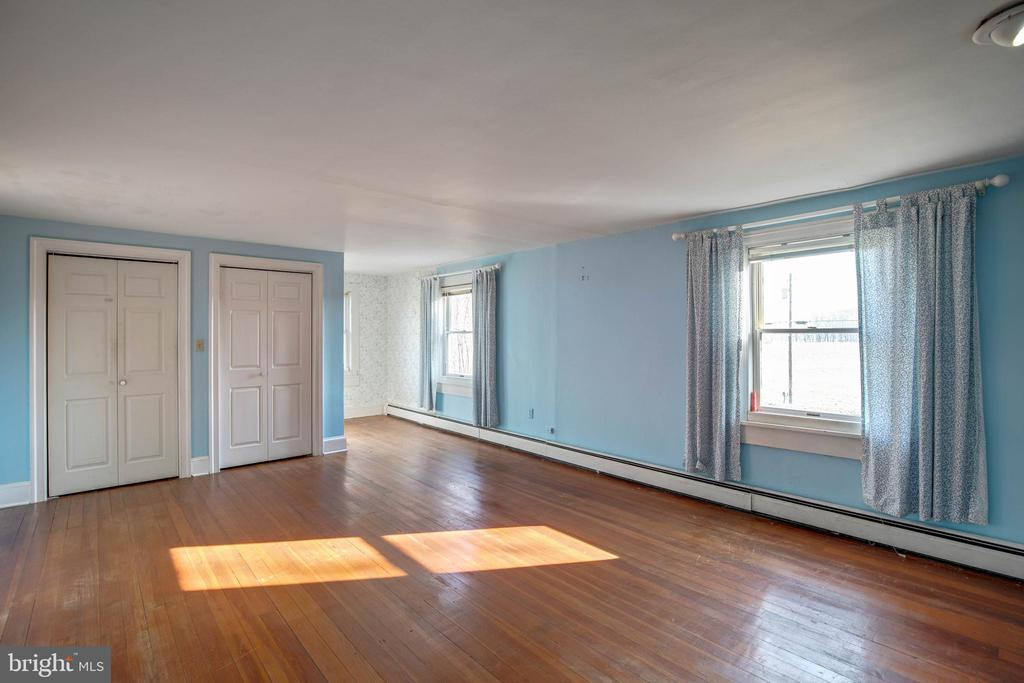 Master Bedroom - 1919 CASTLEMAN RD, BERRYVILLE