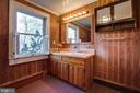 Bath - 1919 CASTLEMAN RD, BERRYVILLE