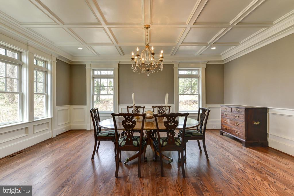 Spacious Dining Room for entertaining - 402 PRINCETON BLVD, ALEXANDRIA