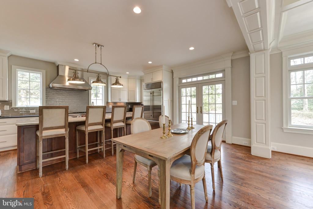 Room for separate breakfast table - 402 PRINCETON BLVD, ALEXANDRIA
