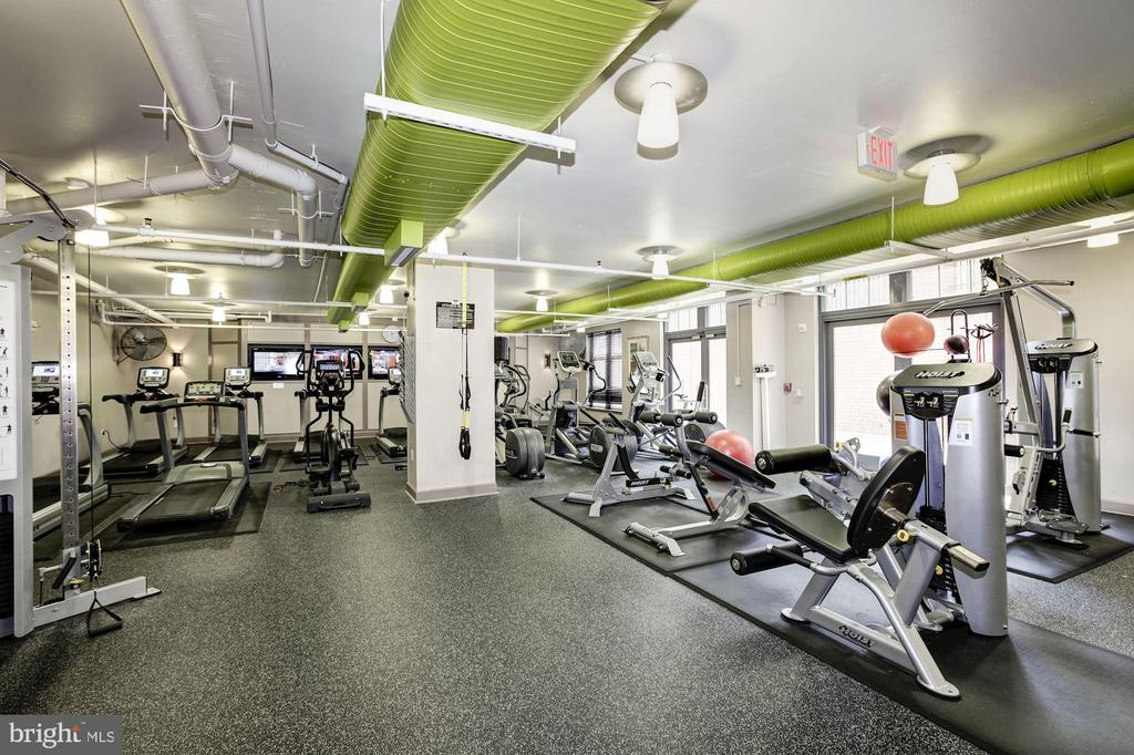 Fitness Center - 1021 N GARFIELD ST #221, ARLINGTON