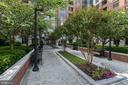 Easy Access to the Best of Clarendon - 1021 N GARFIELD ST #221, ARLINGTON