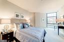 Spacious Master Bedroom - 1021 N GARFIELD ST #221, ARLINGTON