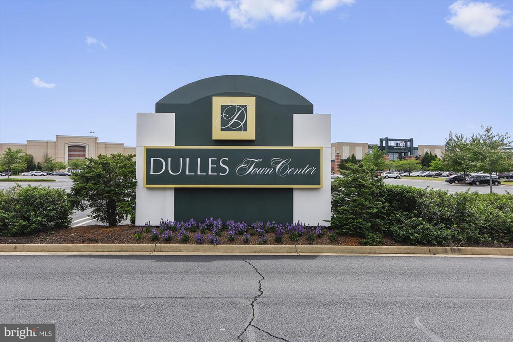Near Dulles Town Center and much more - 44589 YORK CREST TER #304, ASHBURN