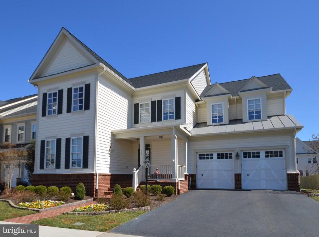 Immaculate 5 BR/4.5 BA Colonial! - 11829 CLARKS MOUNTAIN RD, BRISTOW