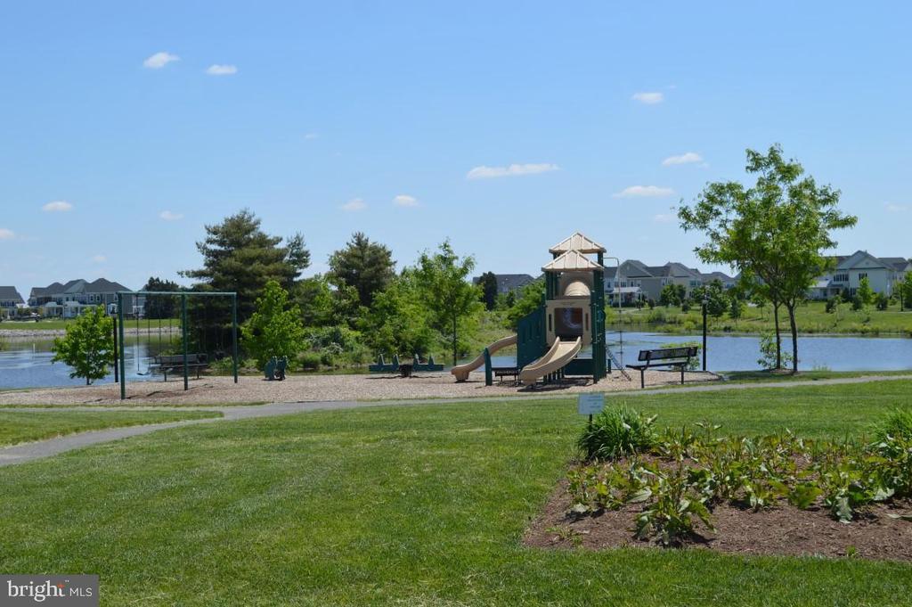 Playground & Lake - 11829 CLARKS MOUNTAIN RD, BRISTOW