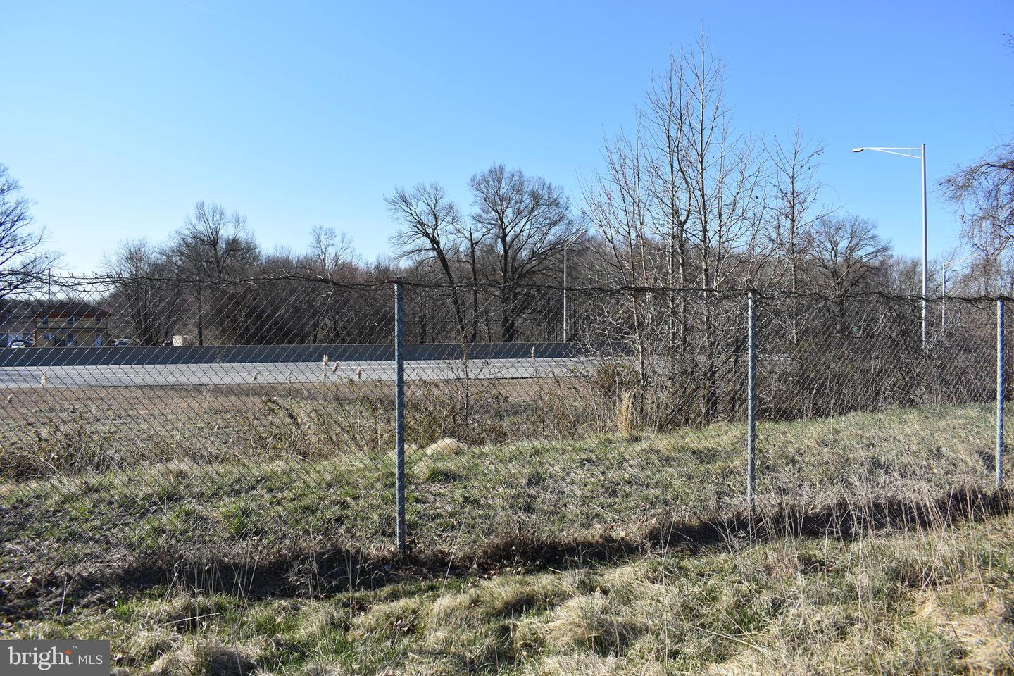 Additional photo for property listing at  Carneys Point, New Jersey 08069 United States
