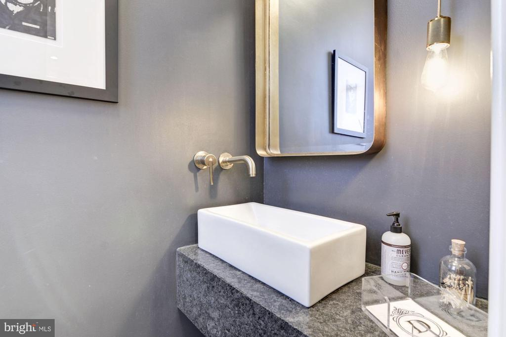 1st Floor // Powder Room - 2024 N CAPITOL NW, WASHINGTON