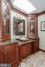 Updated baths - 40041 HEDGELAND LN, WATERFORD