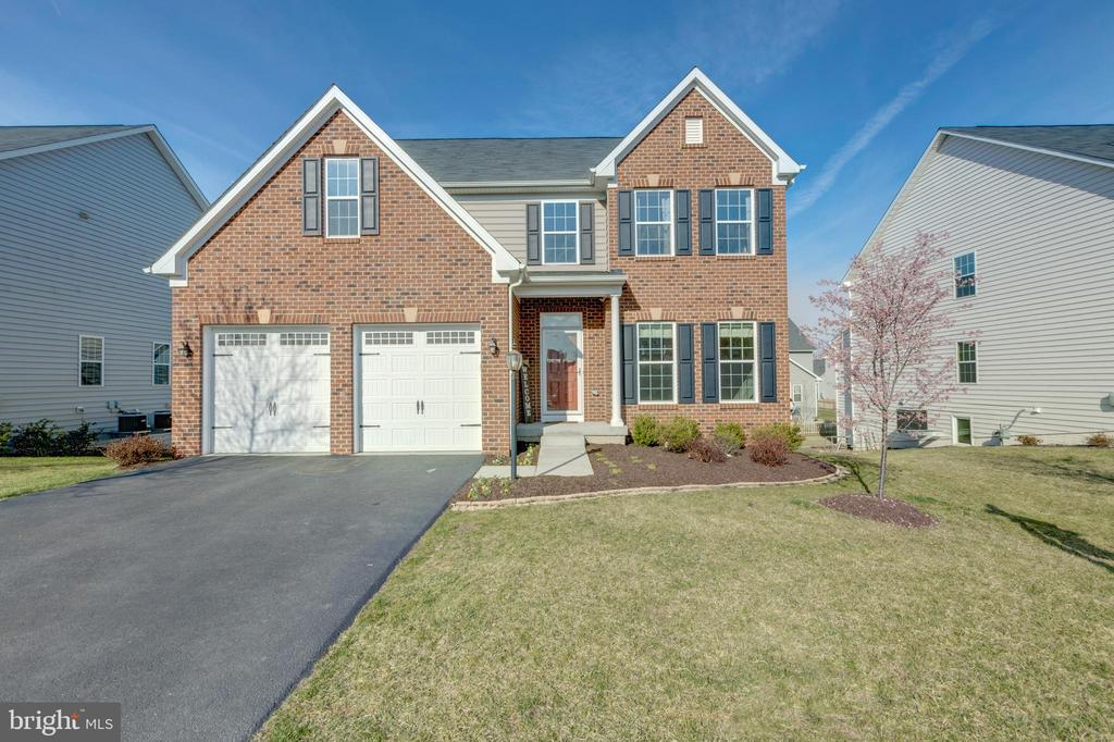 Upgraded brick elevation! - 25875 SYCAMORE GROVE PL, ALDIE