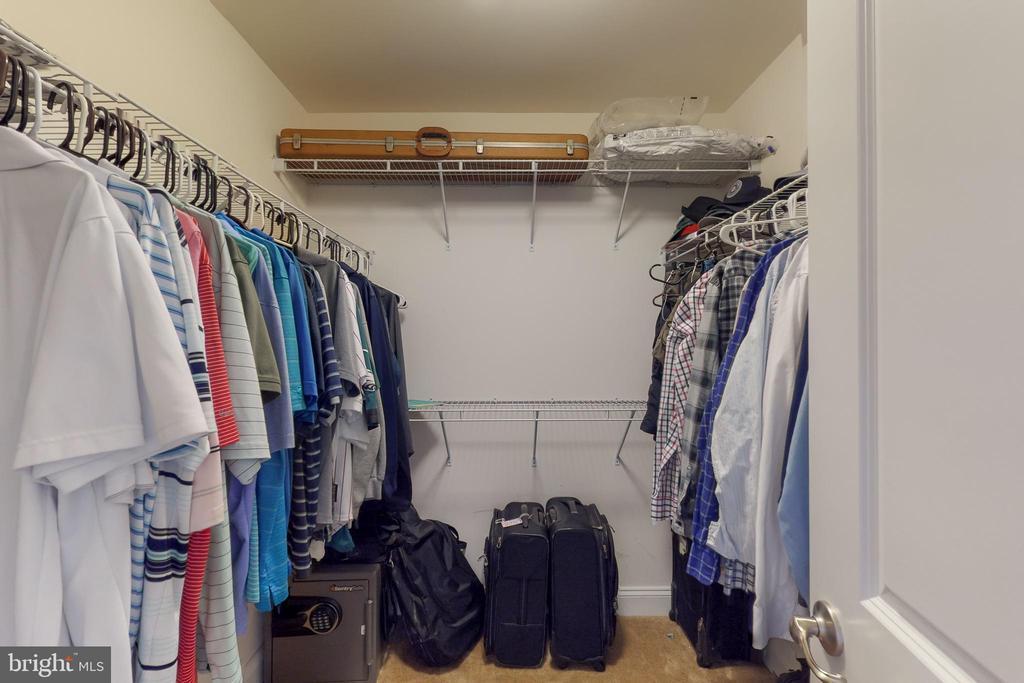 Master closet 1 - 25875 SYCAMORE GROVE PL, ALDIE