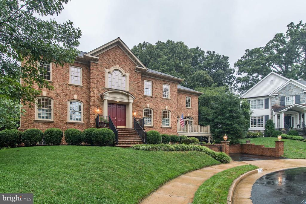 Another custom home next door. - 3013 N DICKERSON ST, ARLINGTON