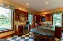 - 223 S POES RD, AMISSVILLE