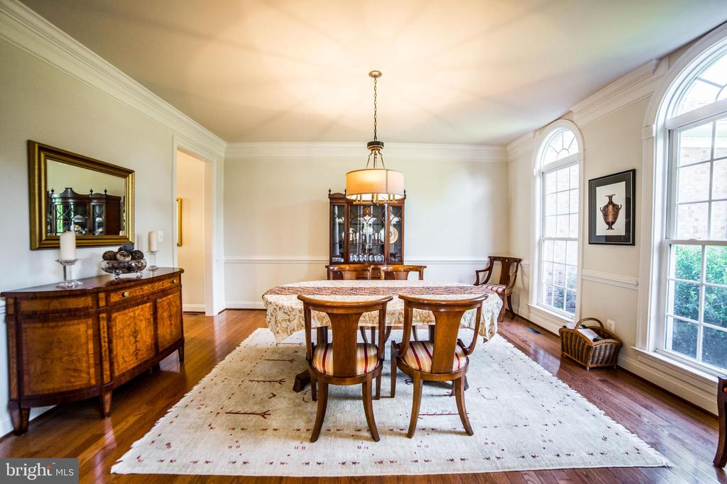 Dining room  with furniture - 36895 LEITH LN, MIDDLEBURG