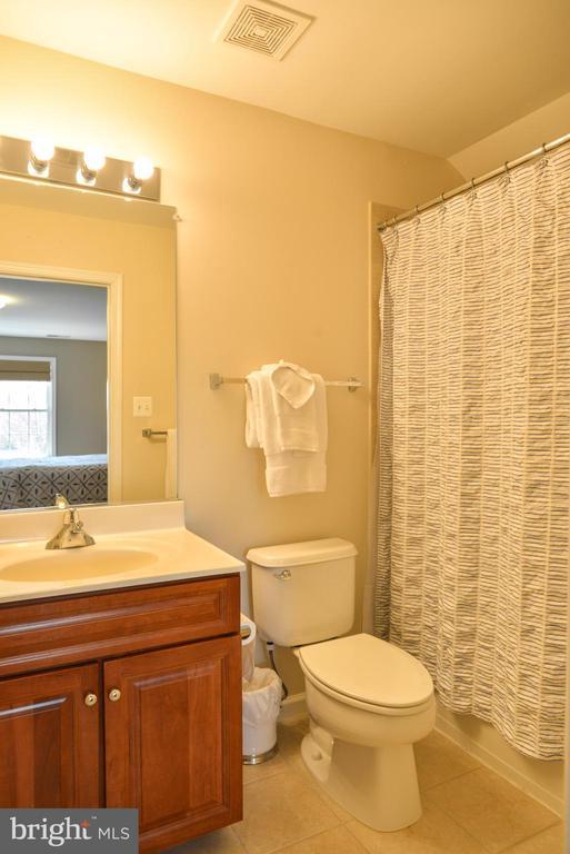 Bedroom 5 Bath - 42547 GOOD HOPE LN, BRAMBLETON