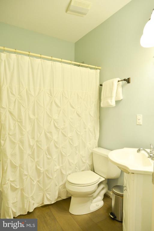 Basement Full Bath - 42547 GOOD HOPE LN, BRAMBLETON