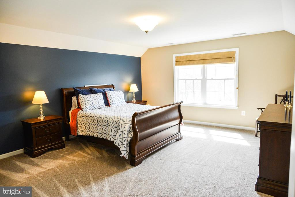 Bedroom 5 - 42547 GOOD HOPE LN, BRAMBLETON