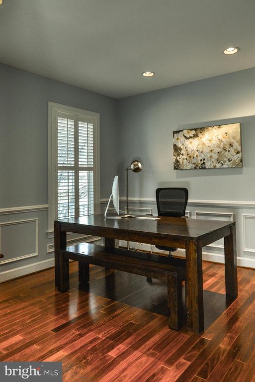 Main level office - 42547 GOOD HOPE LN, BRAMBLETON
