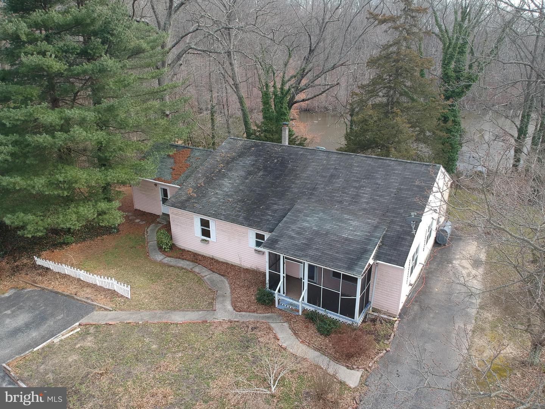 Maison unifamiliale pour l Vente à 56 DAVIS Road Salem, New Jersey 08079 États-UnisDans/Autour: Alloway
