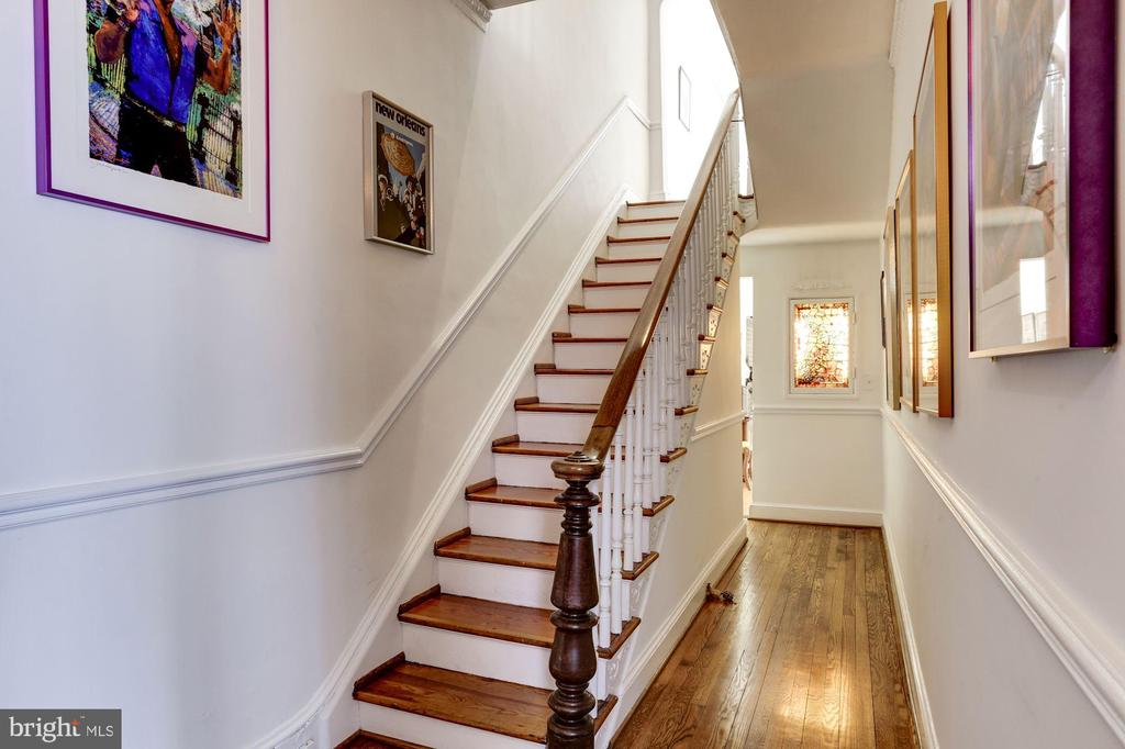 Staircase with original newel and banister - 221 N ST ASAPH ST, ALEXANDRIA