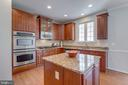Double oven,  gas cooking - 9331 HUNDITH HILL CT, LORTON