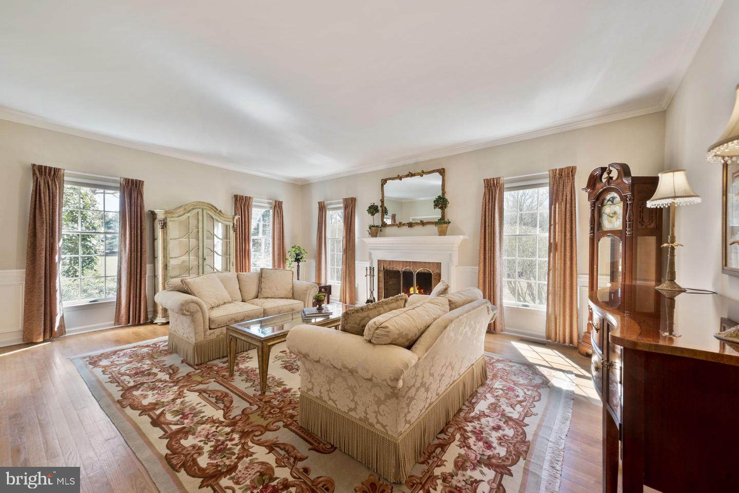 Additional photo for property listing at 1 SILVERS LN S  Cranbury, New Jersey 08512 United States