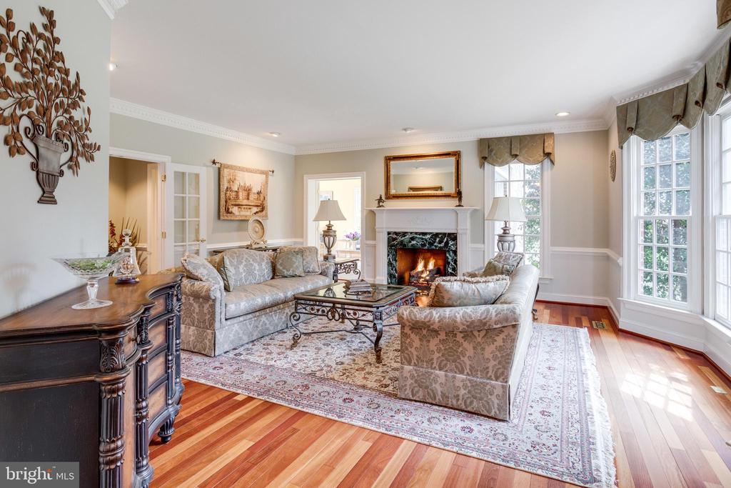 Elegant Details in Formal Living Room. - 2565 YONDER HILLS WAY, OAKTON