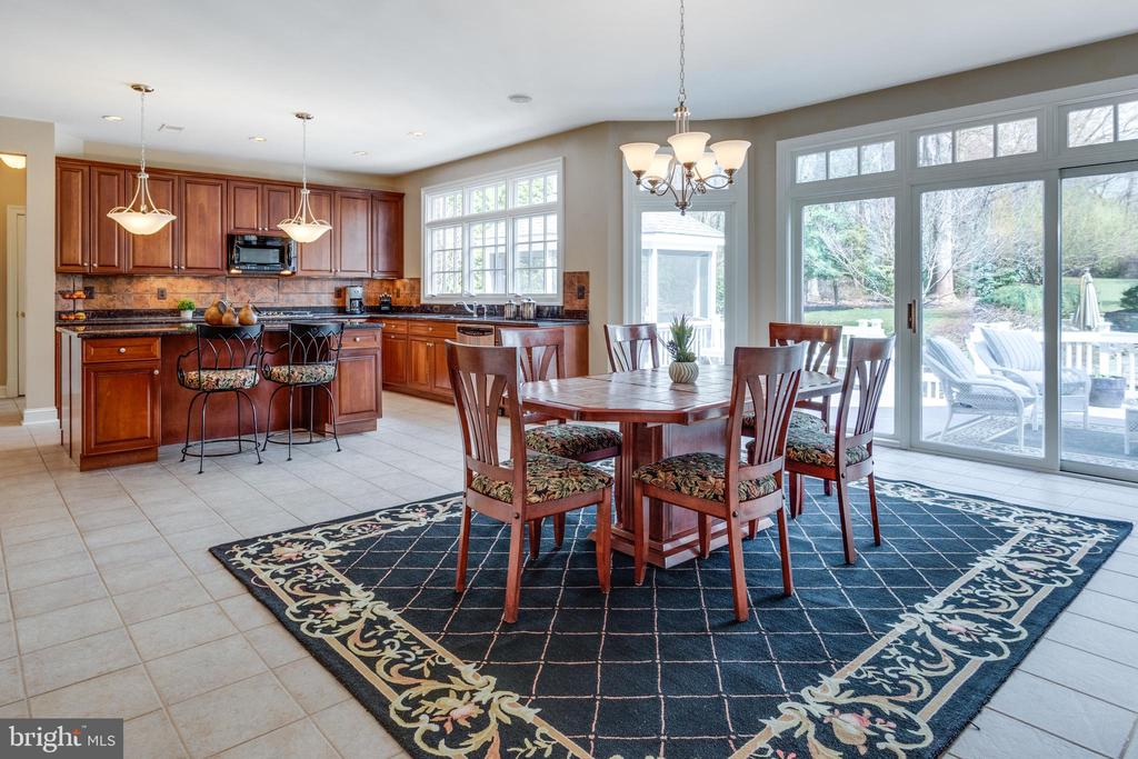 Enormous Breakfast Room with Deck Access. - 2565 YONDER HILLS WAY, OAKTON