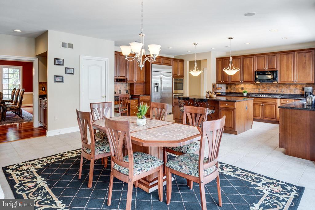 Enormous Breakfast Room opens to Deck - 2565 YONDER HILLS WAY, OAKTON