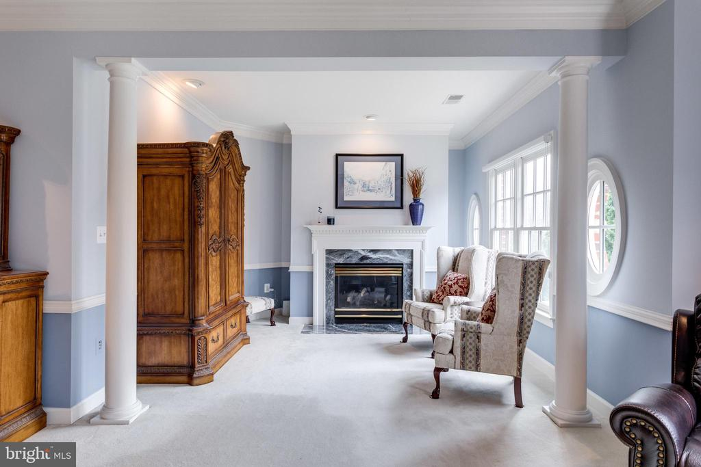 Romantic Fireplace in Master Suite Sitting Room. - 2565 YONDER HILLS WAY, OAKTON