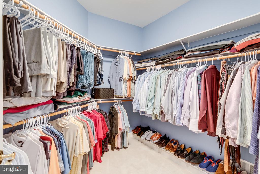 One of 3 Walk-in Closets in Master Retreat. - 2565 YONDER HILLS WAY, OAKTON