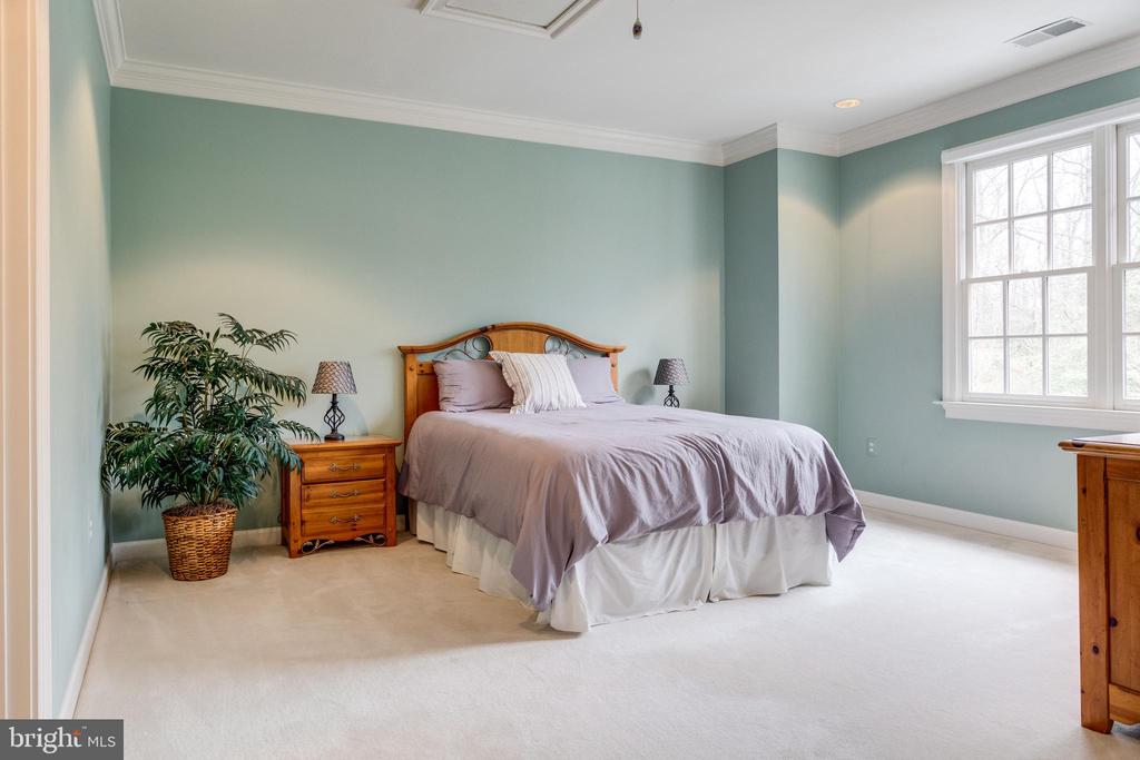 1 of 3 Spacious Ancillary Bedrooms on Upper Level. - 2565 YONDER HILLS WAY, OAKTON