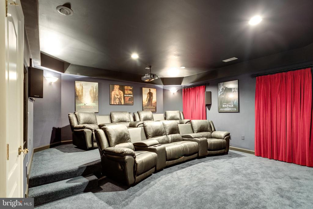 Watch a Film in Your Own Home Theatre. - 2565 YONDER HILLS WAY, OAKTON