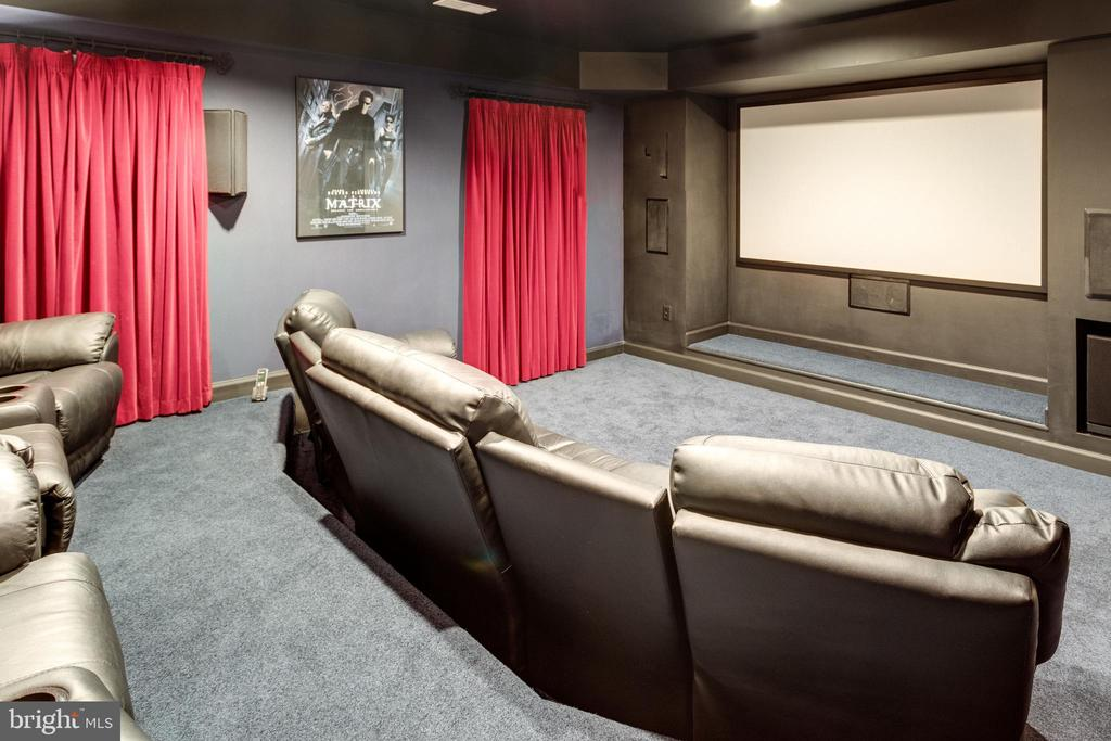 Home Theatre. - 2565 YONDER HILLS WAY, OAKTON
