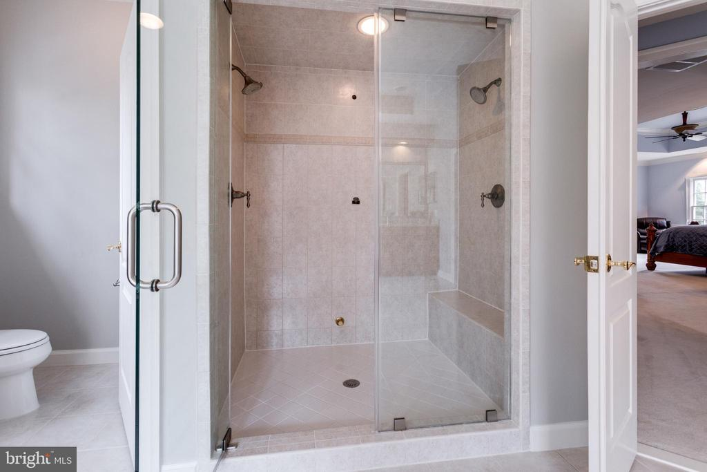 Steam Shower!!! - 2565 YONDER HILLS WAY, OAKTON
