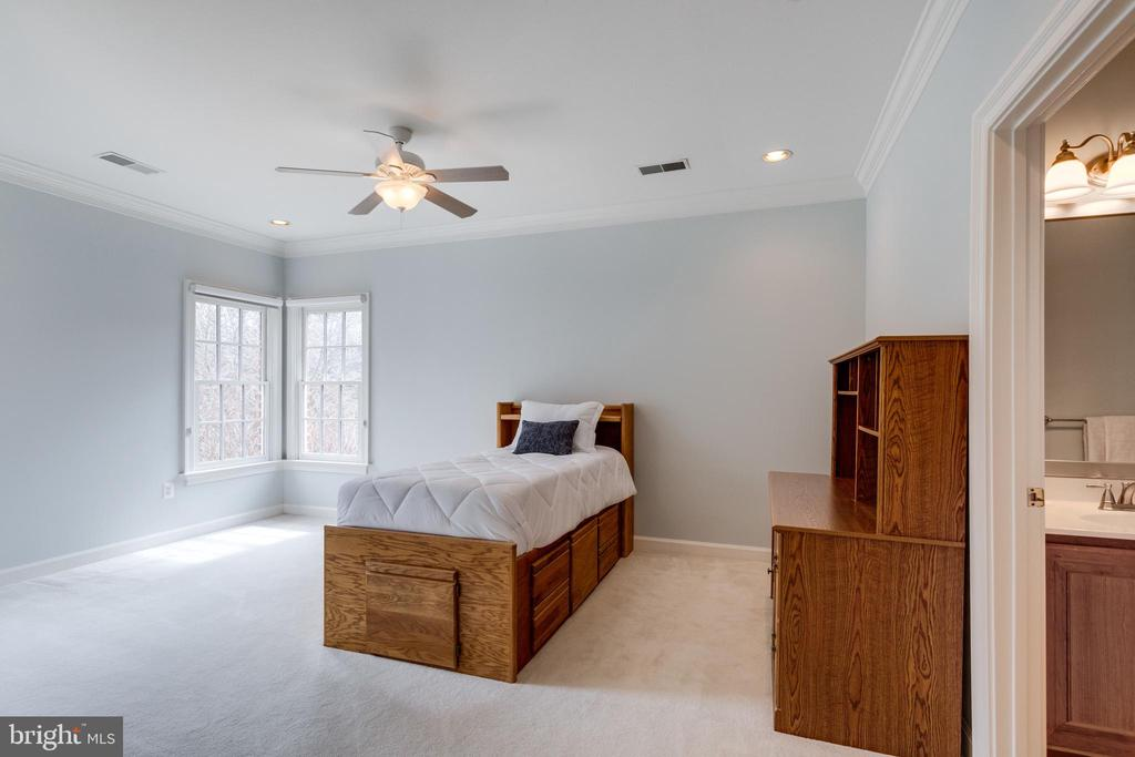 Light-filled Bedroom. - 2565 YONDER HILLS WAY, OAKTON