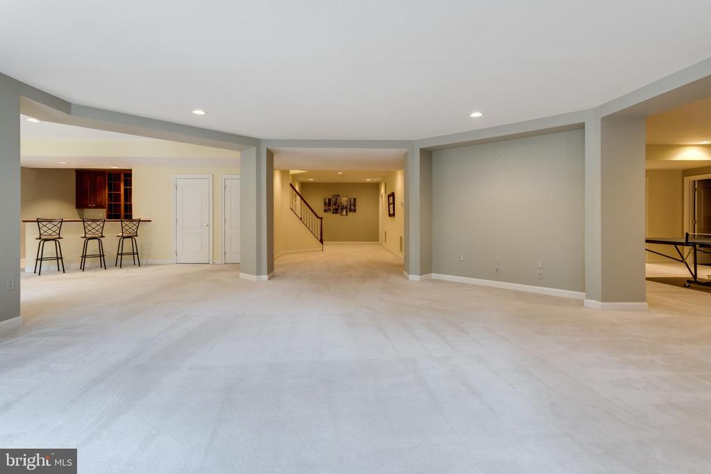 Enormous Recreation Room. - 2565 YONDER HILLS WAY, OAKTON