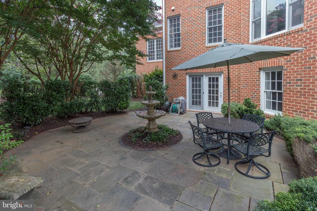 Secluded Lower Level Stone Terrace. - 2565 YONDER HILLS WAY, OAKTON